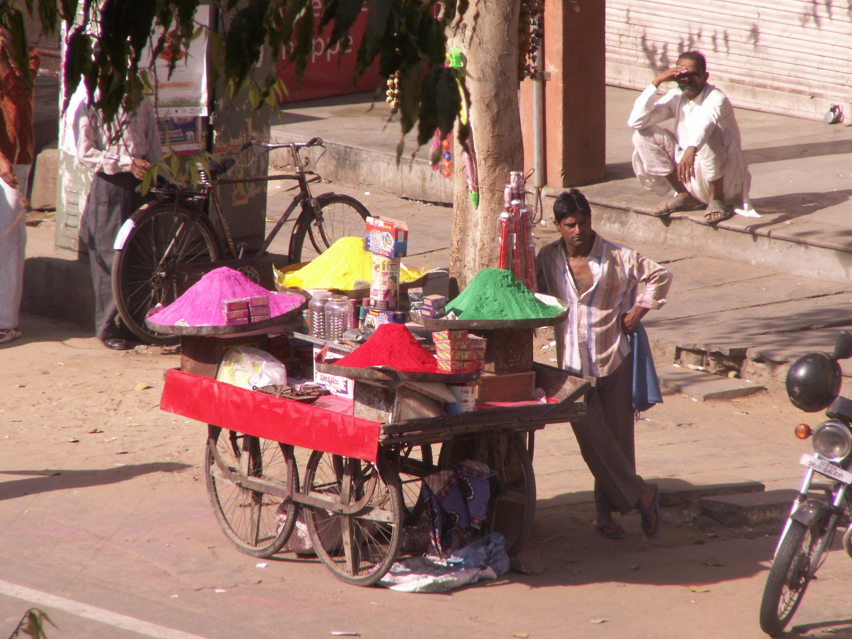 Händler lassen sich meist mit Bargeld bezahlen