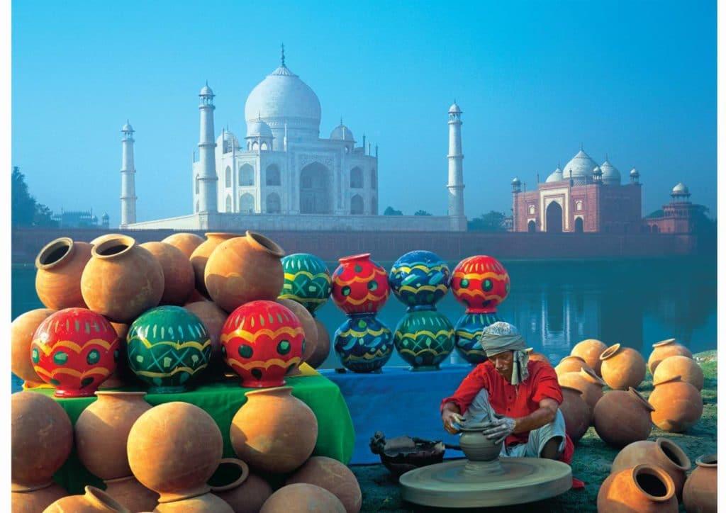 Der Taj Mahal 2019 - bekanntestes Bauwerk von Indien.